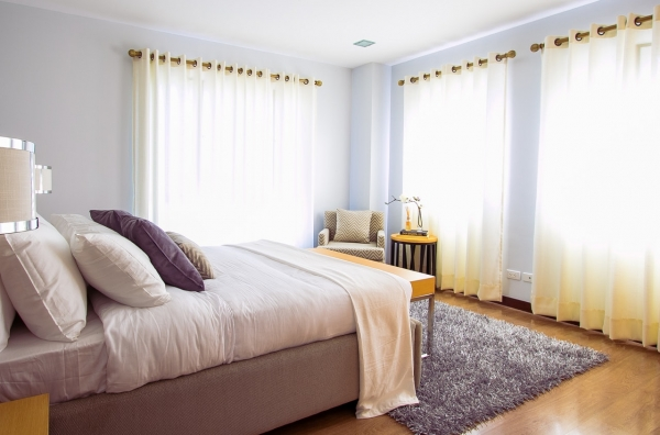 Your Guide to Cleaning Drapes